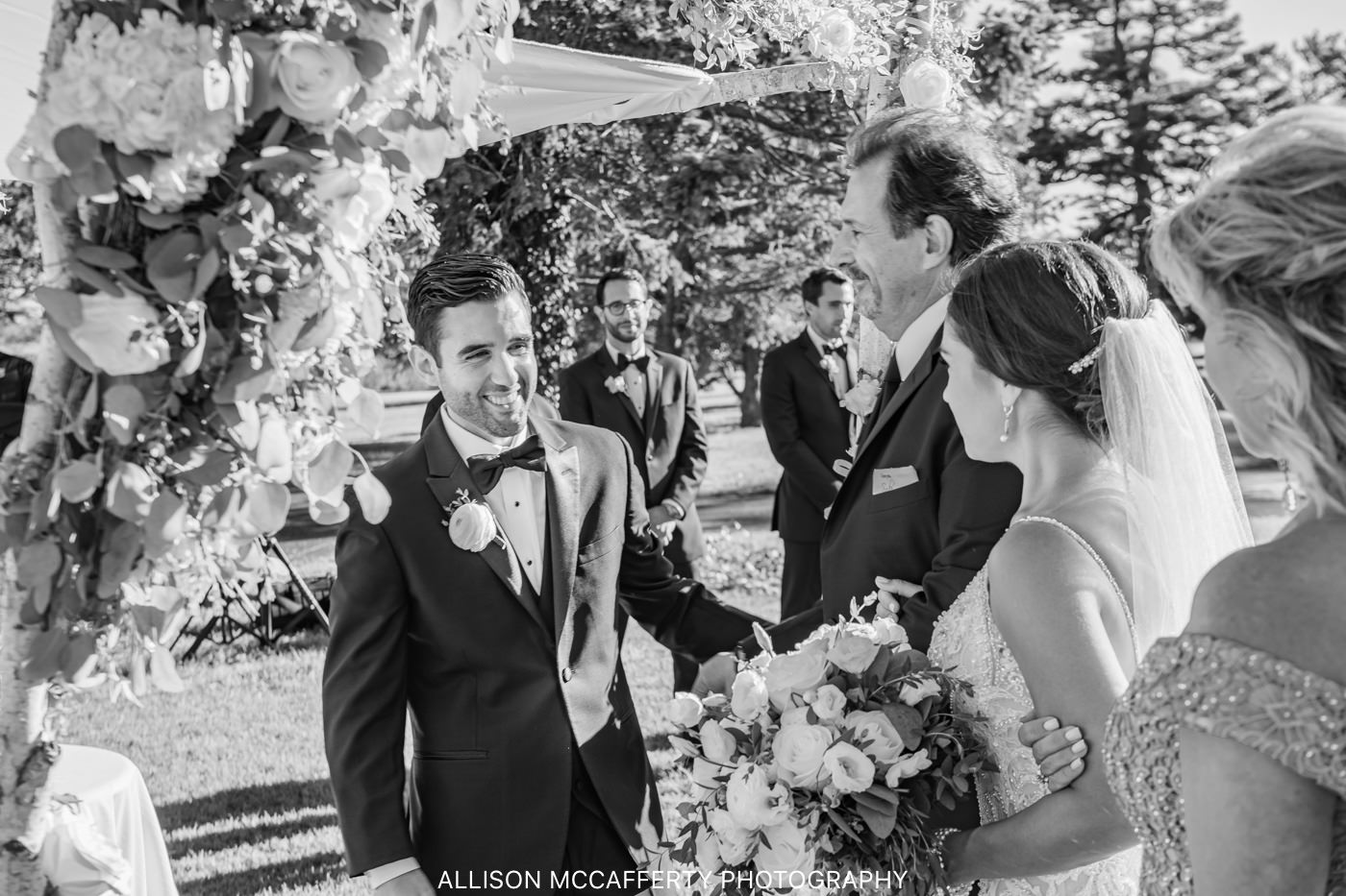 Linwood Country Club Outdoor Wedding Photo
