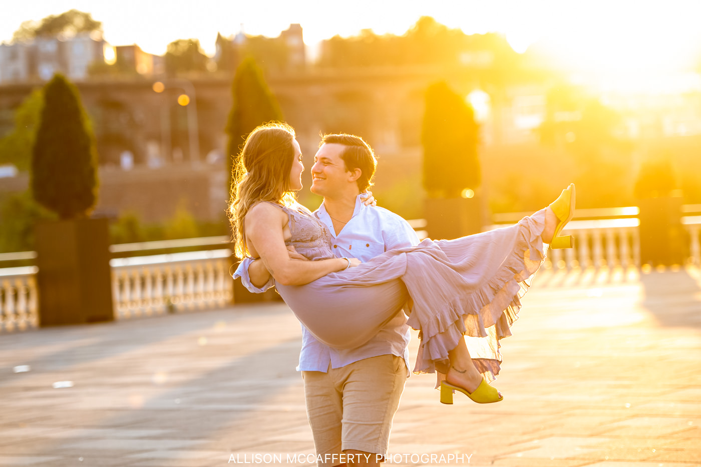 Laura & Zach | Philadelphia Art Museum Engagement