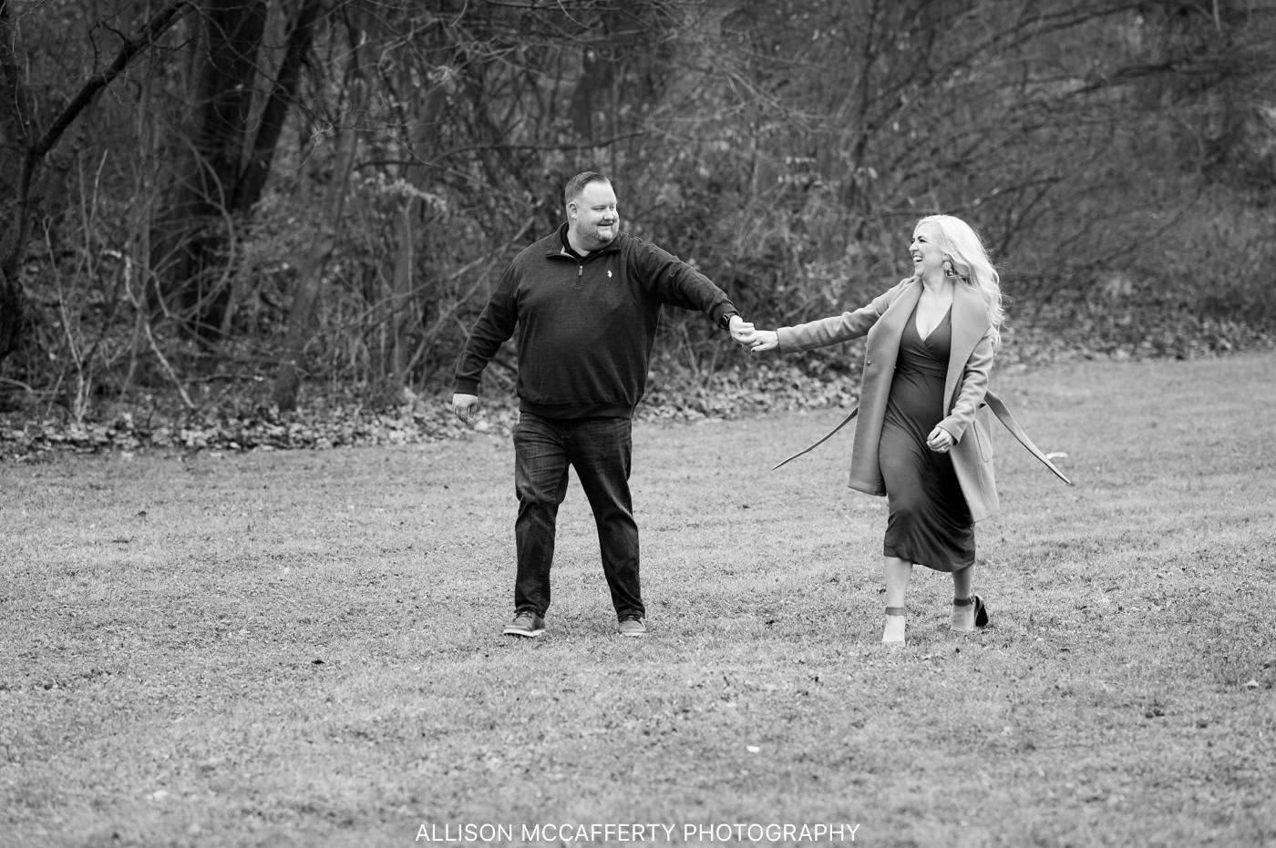 Huntington Valley Engagement Photos