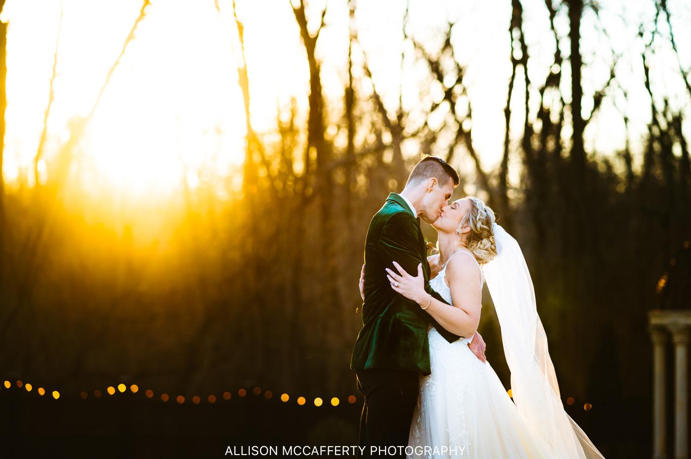 Hamilton Manor Barn Wedding Picture