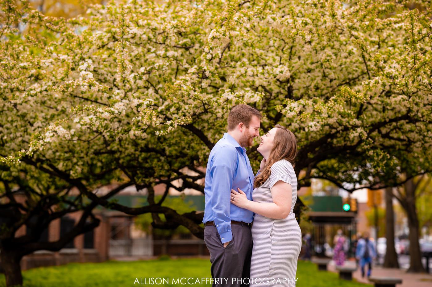 Engagement Photos in Washington Square Philadlephia